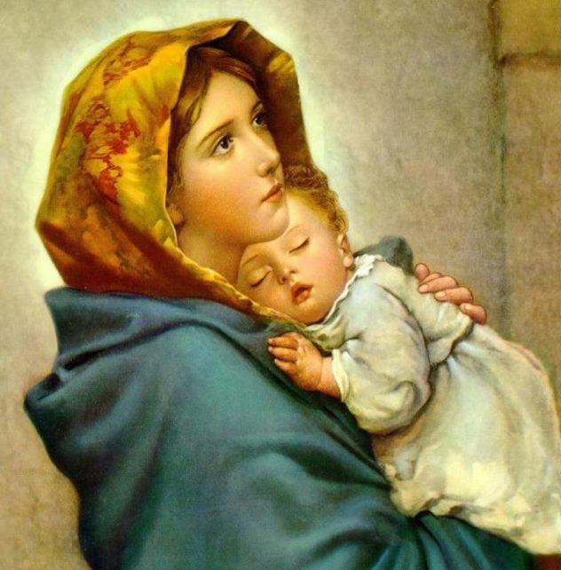 Virgen María con el niño Jesús en brazos